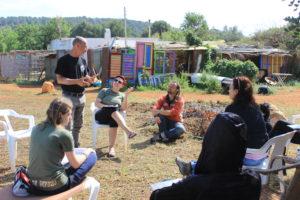 Los objetivos del curso se centraron en el manejo de un refugio para animales en semilibertad